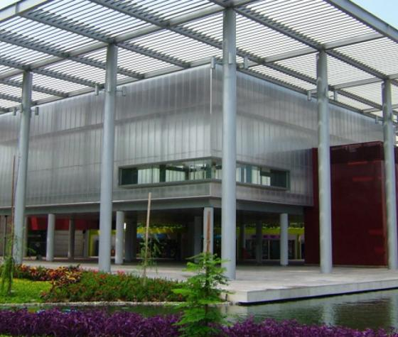 polycarbonate multiwall panel in extruded polycarbonate